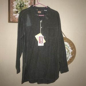 Levi's distressed button down NWT